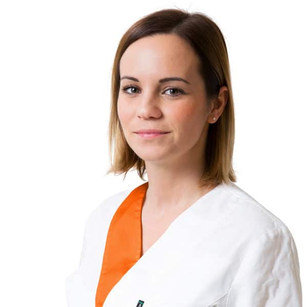 dr. Rácz Berta parodontológus szakorvos